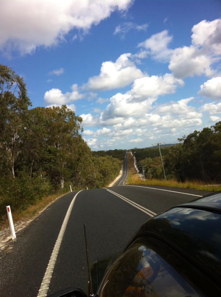 guidando in un'autostrada tipica dell'Australia