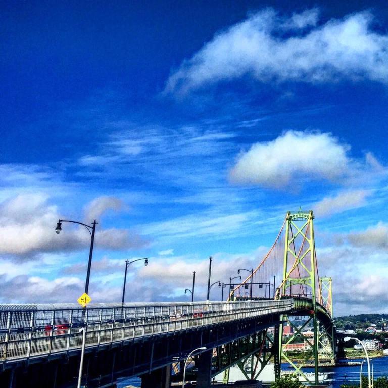 Ponte di HALIFAX